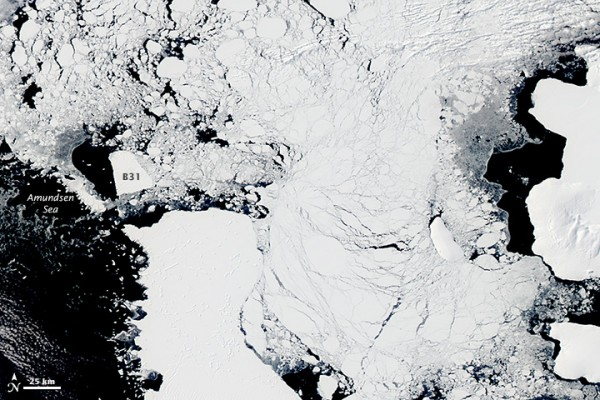 Earth Observatory's first look (above) at B31 following the Southern Hemisphere winter was acquired by the Moderate Resolution Imaging Spectroradiometer (MODIS) on the Aqua satellite on November 22, 2014.