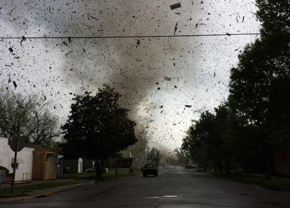 Tornado in Baxter Springs, Kansas via @41ActionNews