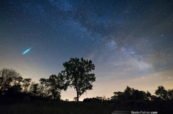 We heard from many people that they saw fireballs, or very bright meteors.  This one is from Kevin Palmer, who was observing from Green River State Wildlife Area in Illinois.
