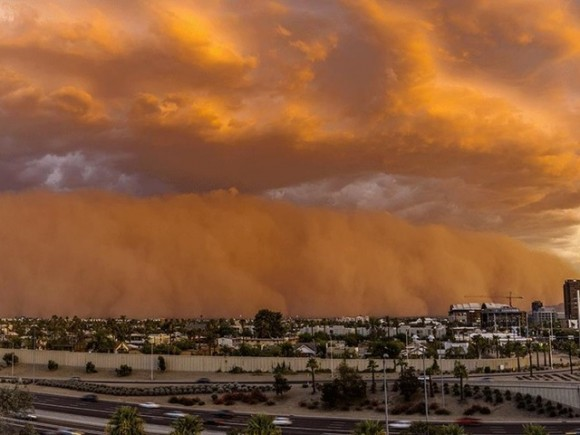 This photo of the July 3 haboob in Phoenix is by Richard Payne.  Via Abc15.com