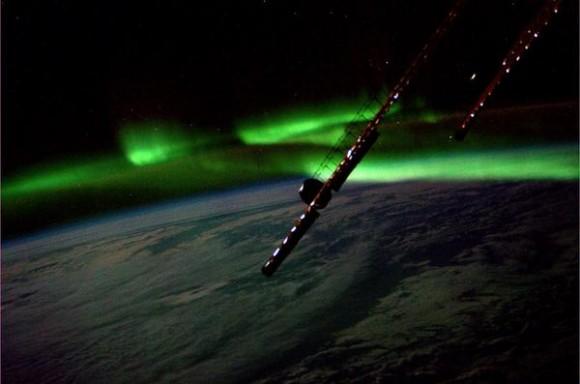 iss-twitter-aurora