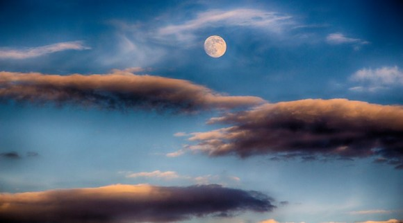 View larger. | July 10, 2014 moon captured over the beautiful Garden of the Gods in Colorado Springs, Colorado by EarthSky Facebook friend Joe Randall.
