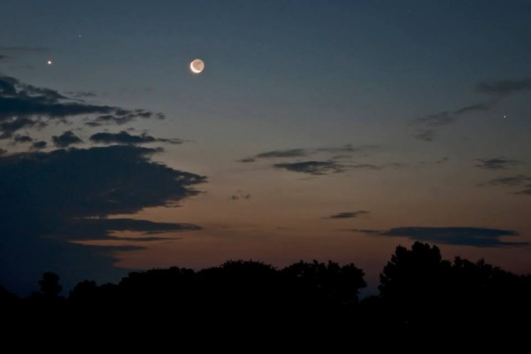July 24 moon and Venus by Ken Christison in North Carolina.  Thank you, Ken.