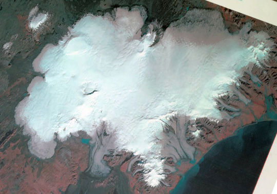 Landsat 1 satellite image from 1973, via NASA, of Vatnajökull ice cap, Bárðarbunga top left.