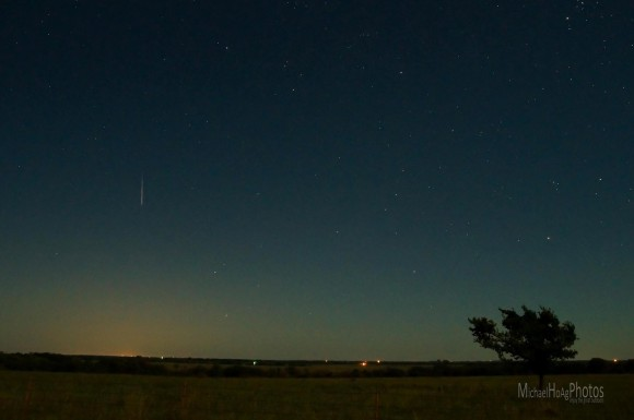 On the morning of the peak - August 13, 2014 - Mike Hoag in eastern Kanasa caught this shot.  Thank you, Mike!
