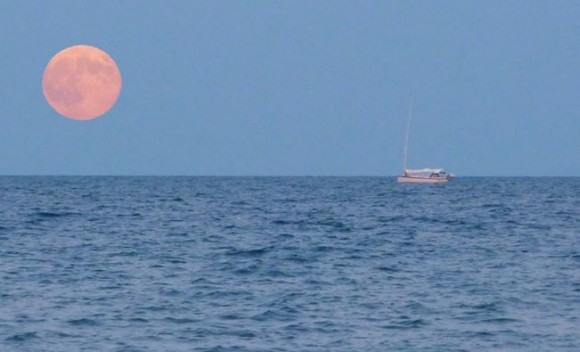 August 10 supermoon over Lake Ontario by Steve Thamer.