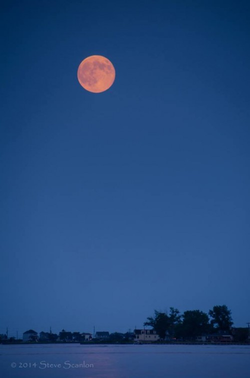 August 10 supermoon over Sea Bright and Barley Point, Rumson, New Jersey by Steve Scanlon Photography.