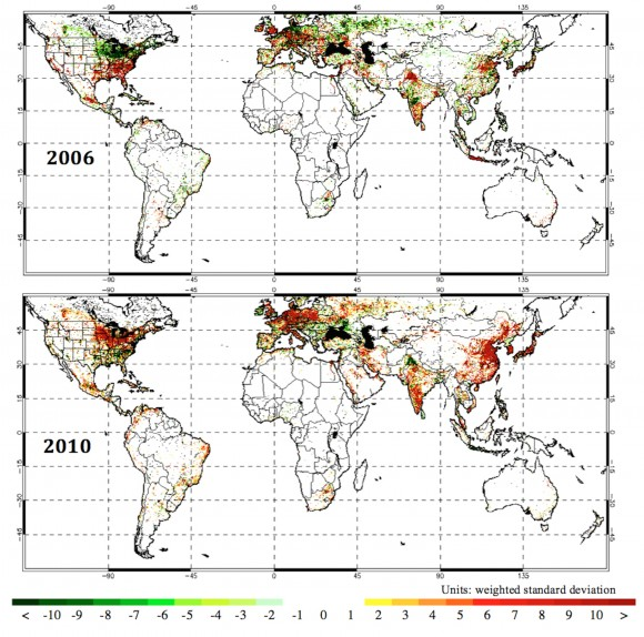 Annual FFDAS fossil fuel CO2 emissions anomalies for two years on either side of the Global Financial Crisis. (a) 2006; (b) 2010. Units: weighted standard deviation. Photo credit: Gurney lab