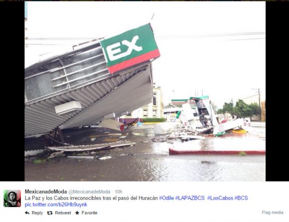 Damage in parts of Los Cabos. Image Credit: Twitter via @MexicanadeModa
