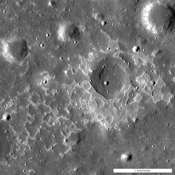 Active moon volcanos in geologically recent times