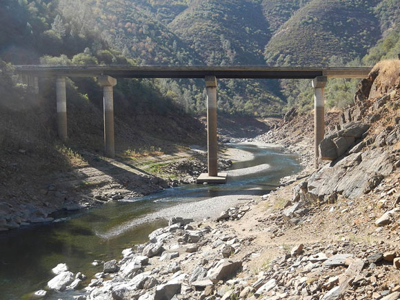 Low water levels in the Tuolumne River during the 2012–2014 California drought. Image Credit: USGS.