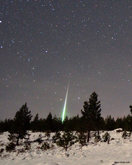 Amazing Geminid fireball seen at the shower's 2014 peak, by Dan McBride.