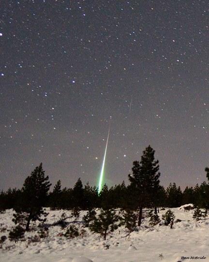 Amazing Geminid fireball seen at the shower's 2014 peak, by Dan McBride.