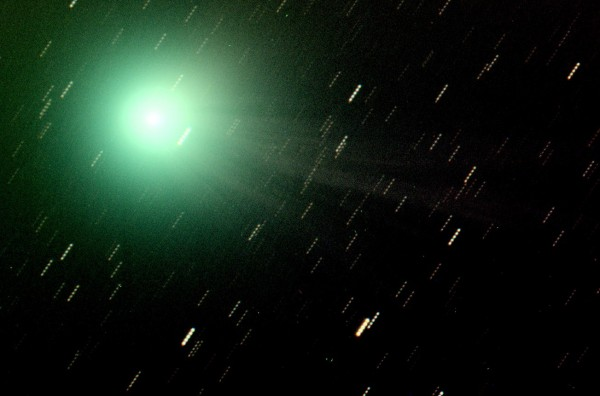 Close up of Comet Lovejoy (C/2014 Q2), with its coma and tail, just captured with our telescope (12 inches, f/5.6). Stacking of RGB and unfiltered images for a total of 20 minutes of exp-time.  Posted at EarthSky Facebook on January 12, 2015 by Osservatorio Astronomico Universita di Siena.