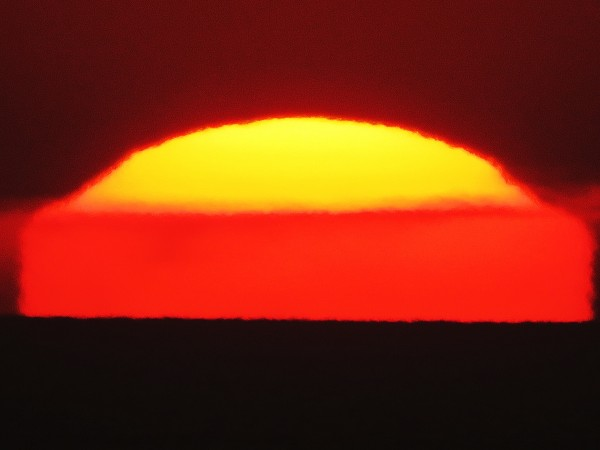 January 17 sunset by Helio de Carvalho Vital.  Shot 3 of 6.