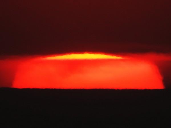 January 17, 2015 sunset by Helio de Carvalho Vital.  Shot 4 of 6.