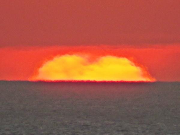 January 17, 2015 sunset by Helio de Carvalho Vital.  Shot 5 of 6.