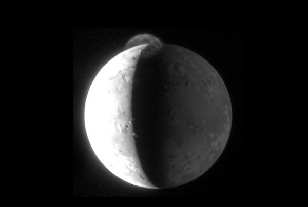 How well will New Horizons see Pluto and its moons as it zips past?  Here's a New Horizons image of Jupiter's moon Io, taken as it swept past that system.  A sunlit umbrella-shaped dust plume rises 200 miles (300 km) into space from the volcano Tvashtar on Io in this image, which NASA says is one the best images ever of a giant eruption on Io.  Image via New Horizons.  Click here for more New Horizons images