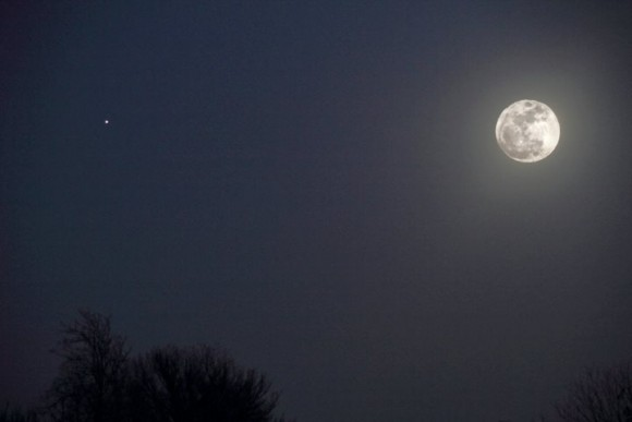 Jupiter and moon rising February 3r, 2015. Photo by EarthSky Facebook friend Mike O'Neal