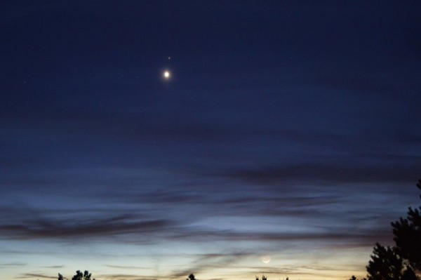 Dinh Nguyen caught the planets and moon the day before, February 19, 2015.