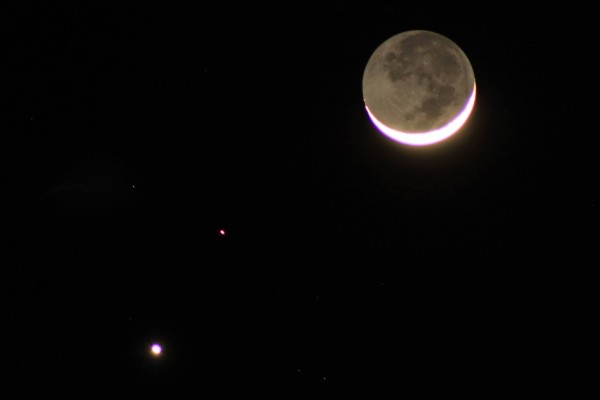 Eric Smith in Paso Robles, California posted his photo of the planets and moon at EarthSky Facebook.