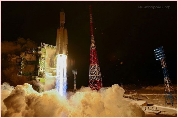 The Russian made Angara V rocket lifts off on its maiden flight on December 23, 2014 (Photo Credit: Roscosmos)
