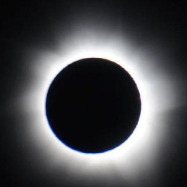 Total eclipse of the sun on November 11, 2012.  Image via NASA
