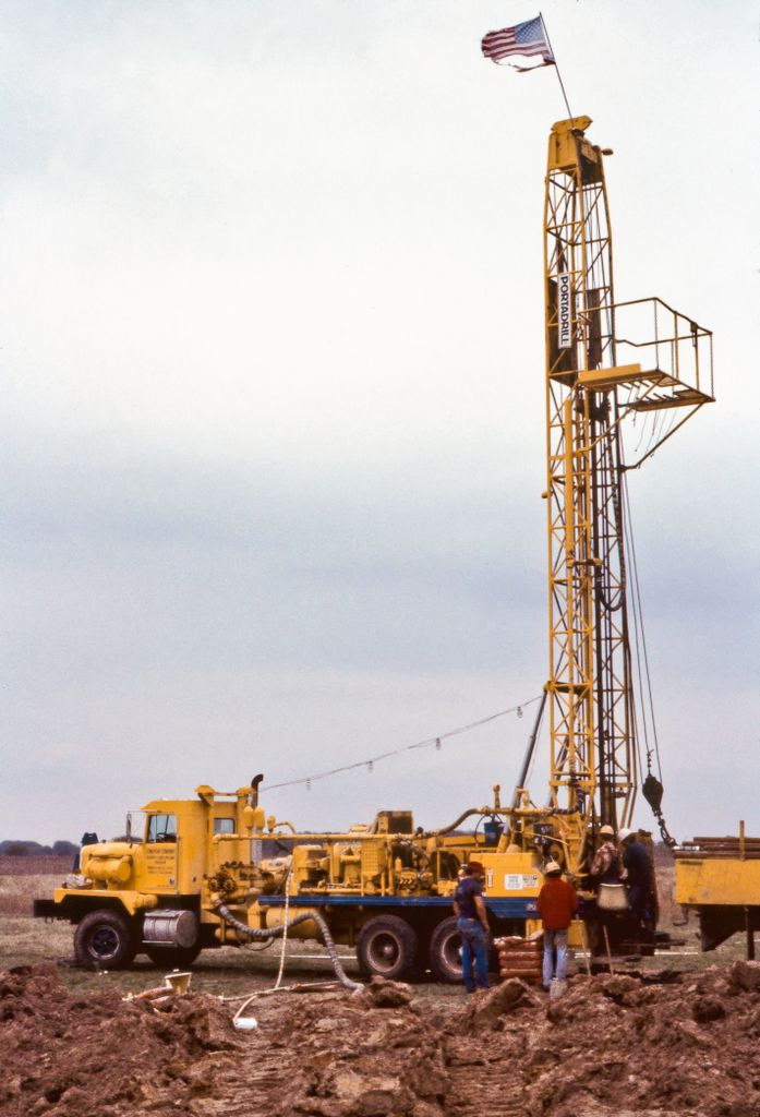 Drill rig at the Hockley Salt dome near Houston Texas. The oil industry typically recovers only 30 to 40% of the oil from conventional oil fields, creating a financial incentive for research into novel methods to improve recovery rates (including nanotechnology.) Photo courtesy of Sean Murphy, Bureau of Economic Geology, Univ. of Texas.