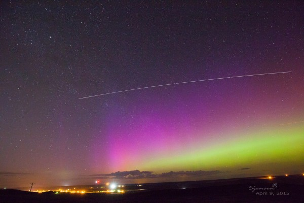 Susan Gies Jensen in Odessa, Washington posted this photo to EarthSky FAcebook.  She wrote: