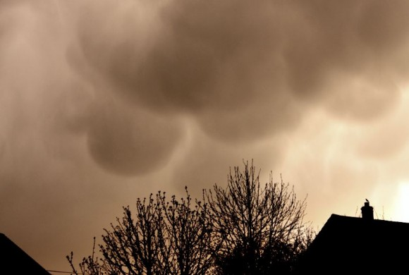Andrew Hill in Gloucestershire, UK, captured these mammatus clouds.