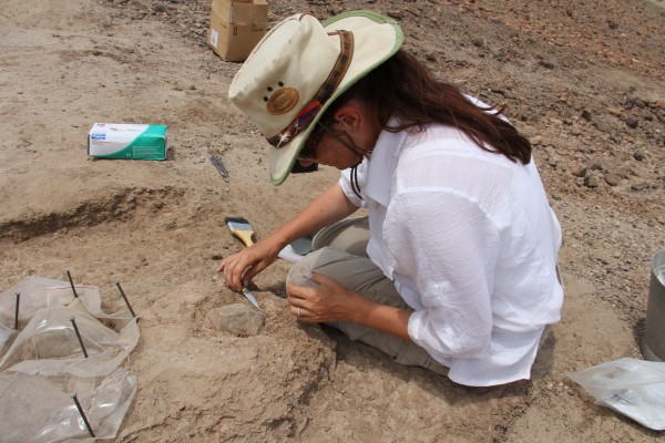 Sonia Harmand at excavation site. Photo via West Turkana Archaeological Project, copyright 2014.  Used with permission.