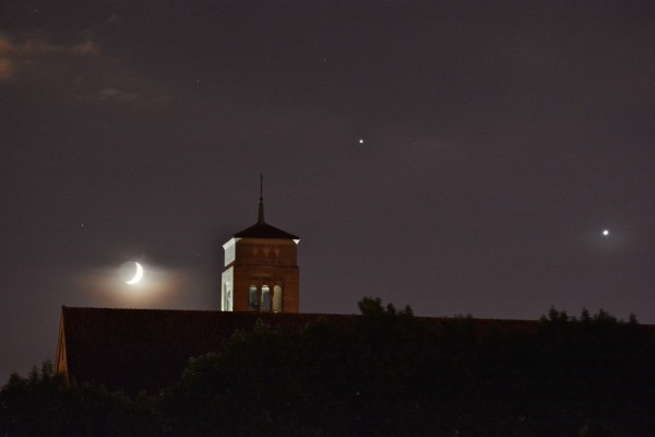 Venus, Jupiter and the moon on June 20, 2015 by Randy Baranczyk in St. Paul, Minnesota