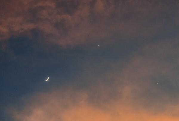 Venus, Jupiter and the moon on June 20, 2015 by Shreenivasan Manievannan in Greenville, South Carolina