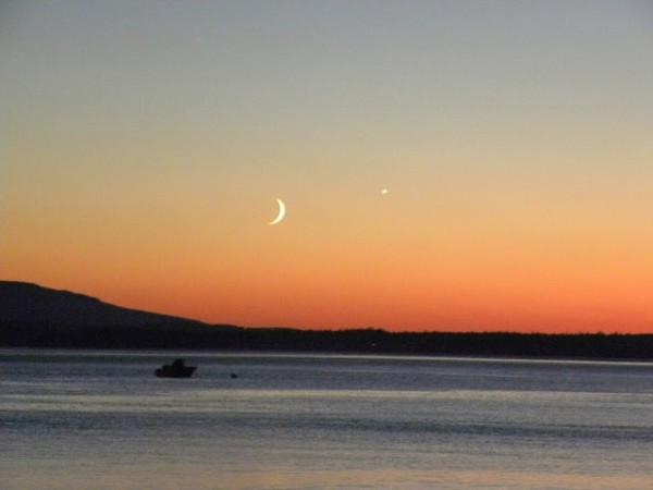 Moon and Venus on July 18, 2015 by Billie C. Barb at Mutiny Bay, Freeland, Washington.
