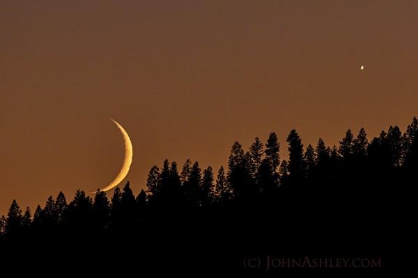 Moon and Venus on July 18, 2015 by John Ashley in Kila, Montana.