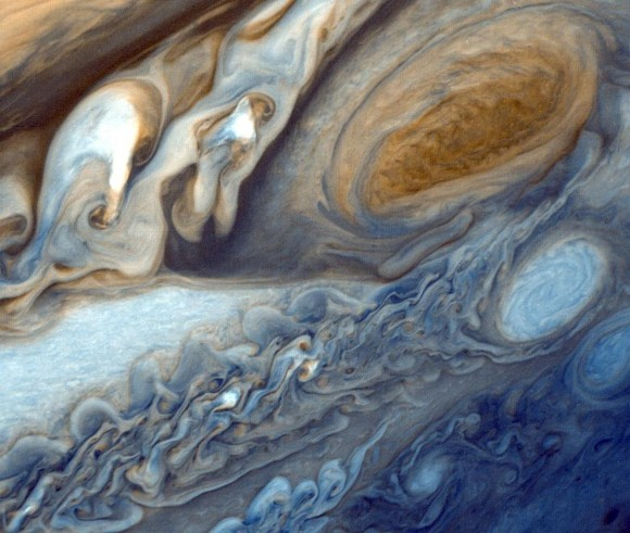 Swirling mystery of Jupiter's Great Red Spot