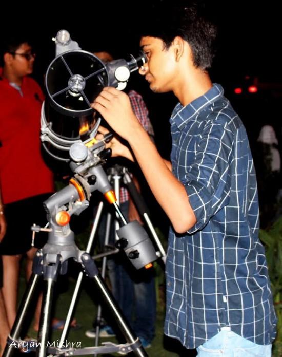 Aryan Mishra at the telescope.