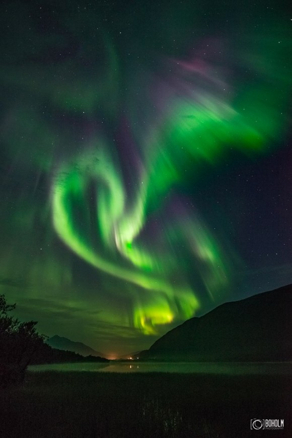 From the night of September 10, over Tromsø, Norway, by Jon-Eirik Boholm / Boholmphotography.