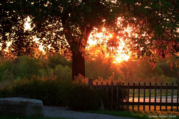 First autumn sunset in Toronto. September 23, 2015.  Photo: Steven Arthur Street