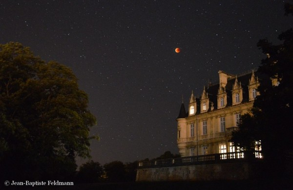 Lunar eclipse from France by Jean-Baptiste Feldmann.