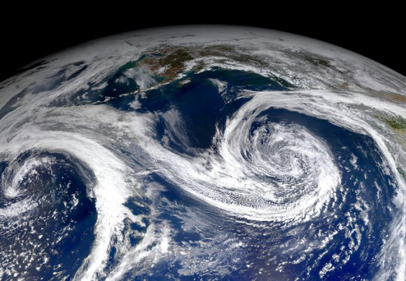 El Niño years typically bring rain-carrying storms to the western US. Image credit:Stuart Rankin/flickr