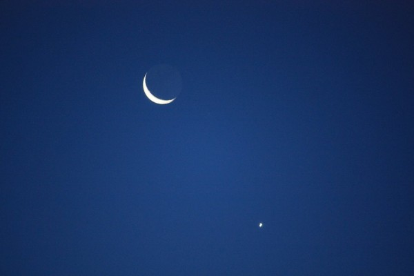 Venus and moon on September 10, 2015 by Mike Steuber in Germany.