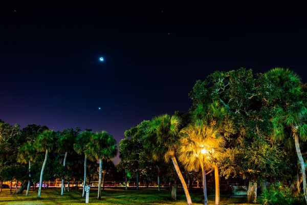 Venus and moon on September 10, 2015 by Bret Gardner in Florida.