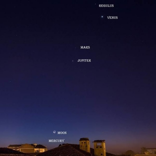 Moon near Mercury on the morning of October 11 by Marco Mereu at Villastellone, Turin, Italy.