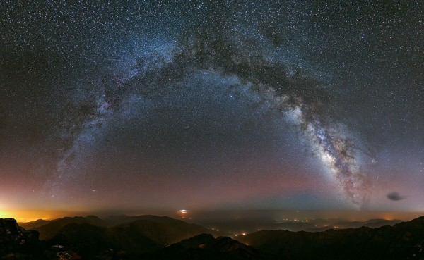 View larger. | Milky Way over Morocco, by Besancon Arnaud.  Visit his website.