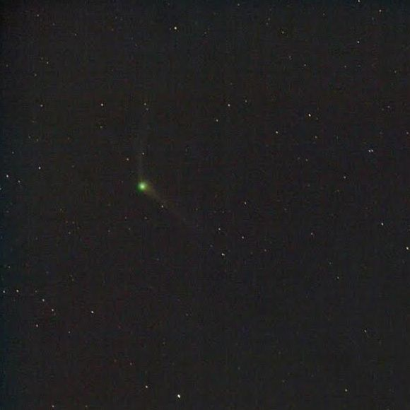 November 22 capture of Comet C/2013 US10 (Catalina) by Chris Schur from Payson, Arizona. 90-second exposure. Chris caught this image a few minutes before dawn brightness interfered. The twin tails are clearly seen. Visit Chris' astrophotography page.