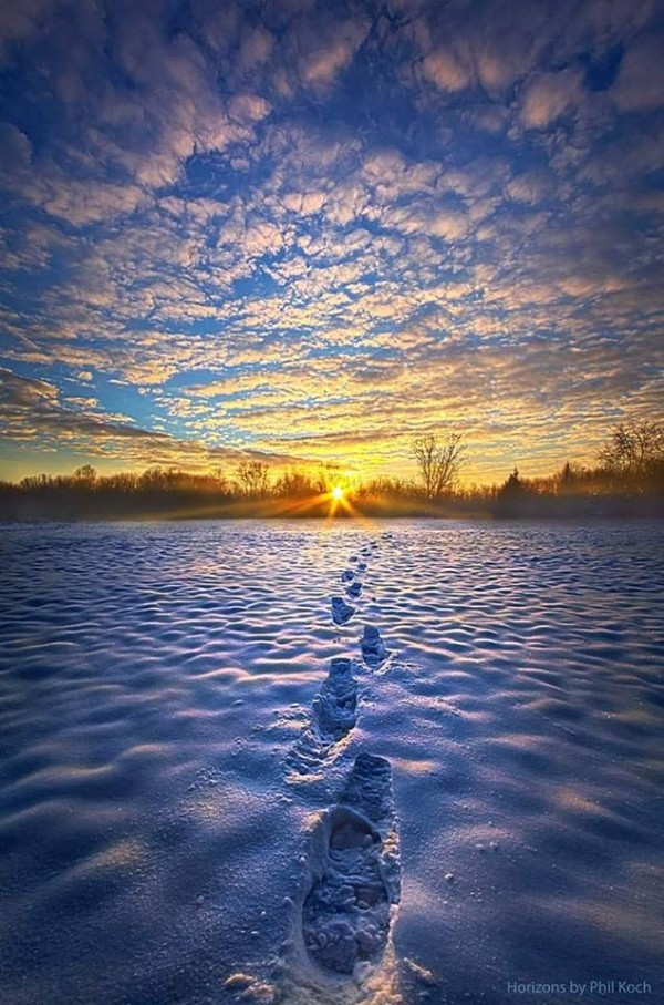Phil Koch posted this photo to EarthSky Facebook this week.  He calls it 'Horizons.'