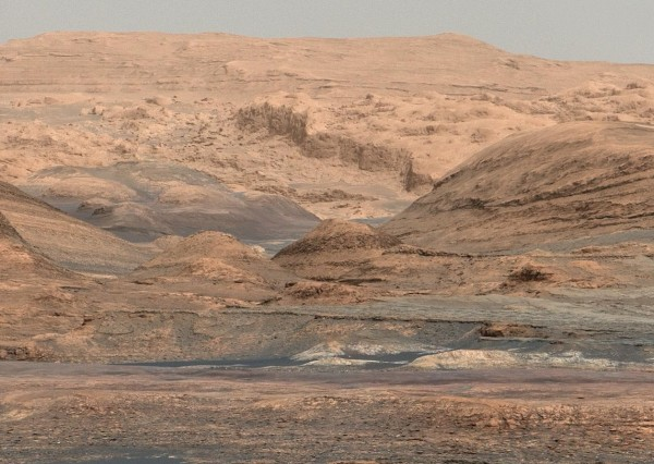 Dunes on Route up Mountain. This is an area lining the northwestern edge of Mount Sharp. The scene combines multiple images taken with the Mast Camera on NASA's Curiosity Mars rover on Sept. 25, 2015. Dunes are larger than wind-blown ripples of sand or dust that Curiosity and other rovers have visited previously. Image via NASA/JPL-Caltech/MSSS