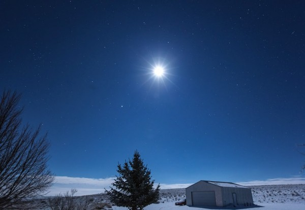 Susan Jensen in Odessa, Washington caught this photo of the moon and Jupiter on December 30, 2015.  Thanks, Susan!