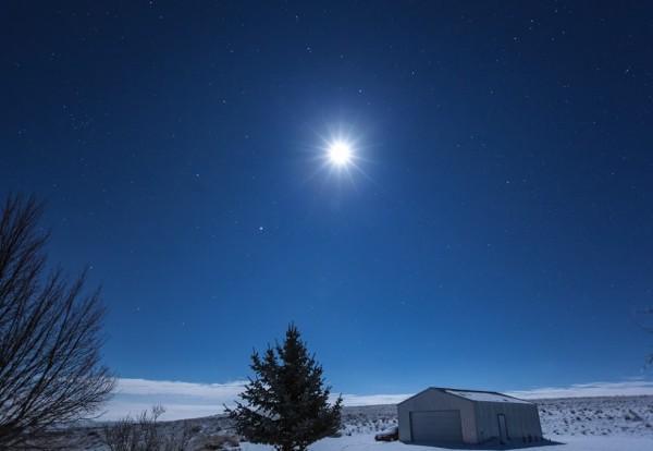 Susan Jensen in Odessa, Washington caught this photo of the moon and Jupiter on December 30, 2015.  Thanks, Susan!